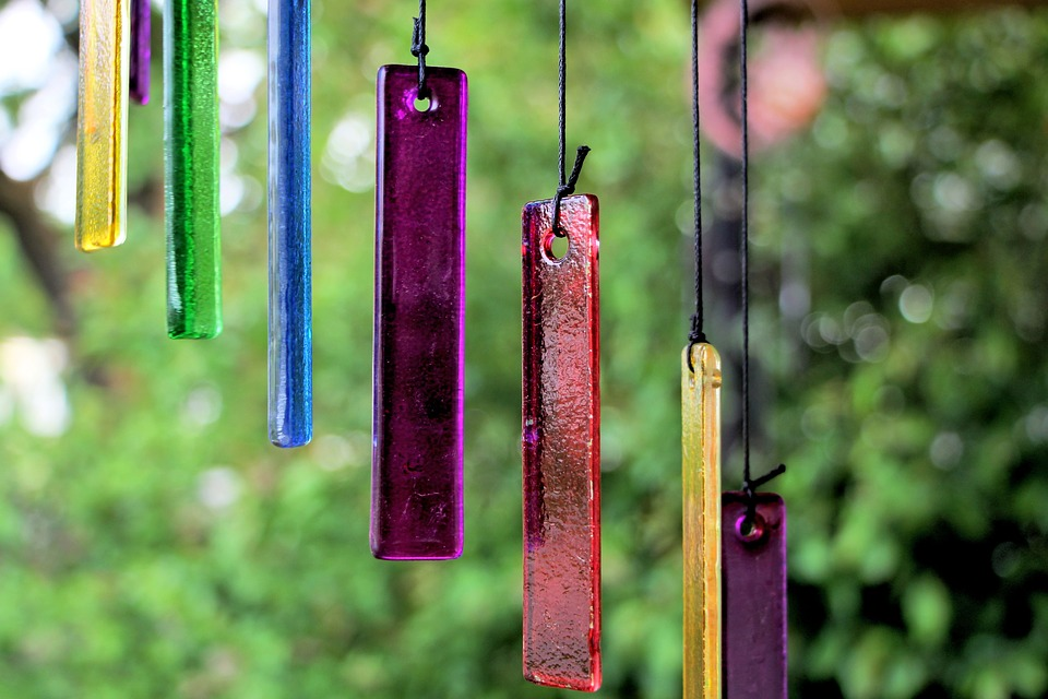wind chimes, moving garden decorations, kinetic decorations, keep deer out of garden, deer-repellent decorations, colorful wind chimes