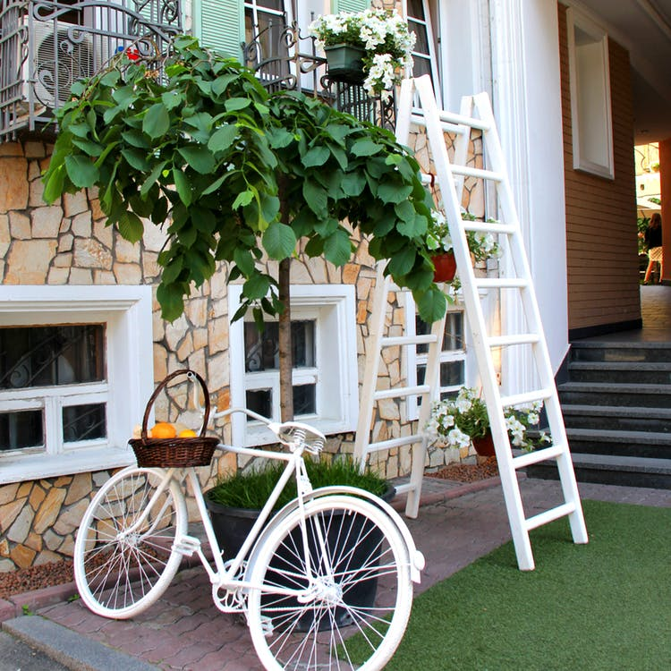 upcycling ideas, upcycling, upcycling garden ideas, upcycled garden, diy upcycling