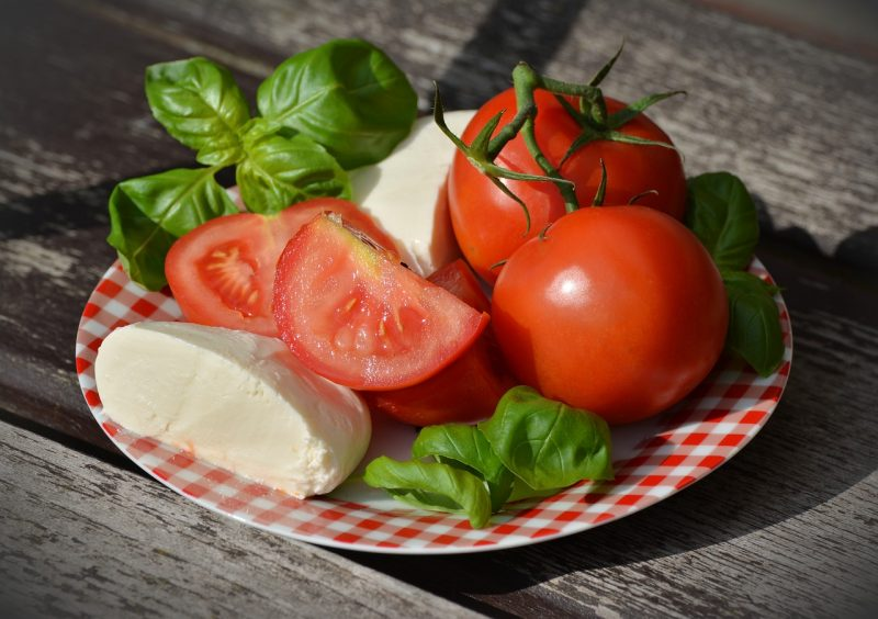 Fresh tomatoes and cheese