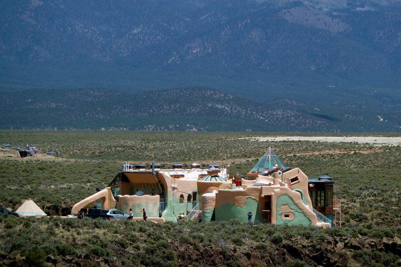 Earthship alternative housing