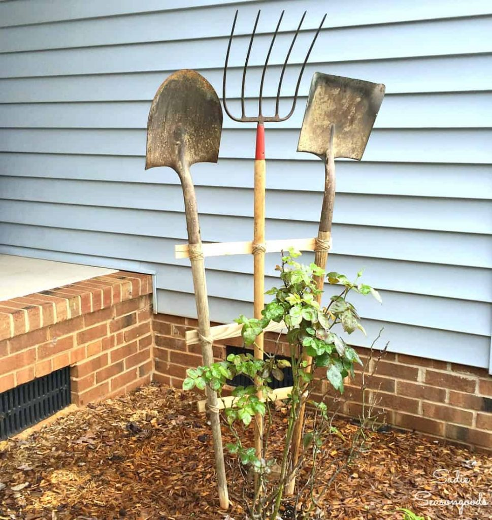 Garden tool trellis ideas