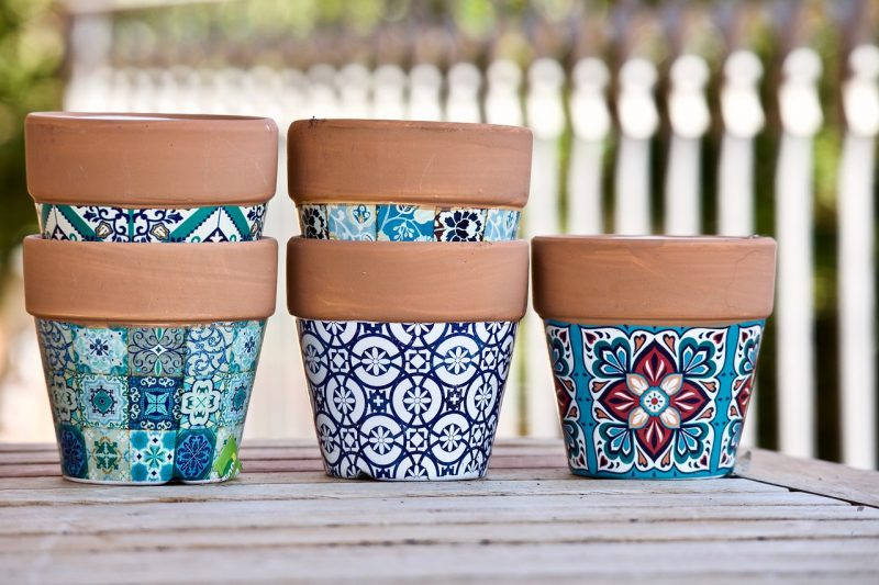 Stencilled pot painting ideas