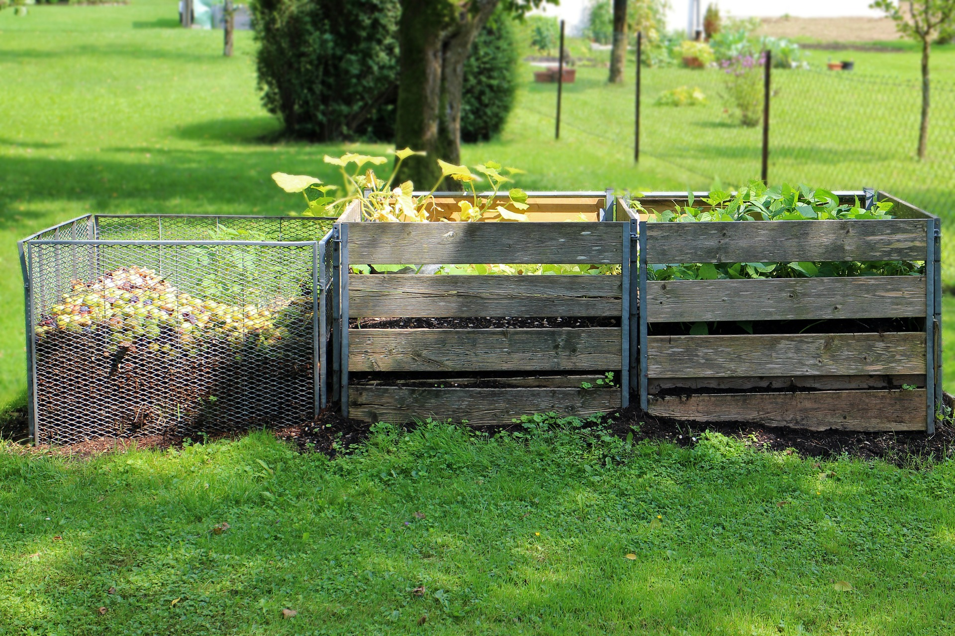 How to Build Your Own Homemade Compost Bin in 3 Easy Steps