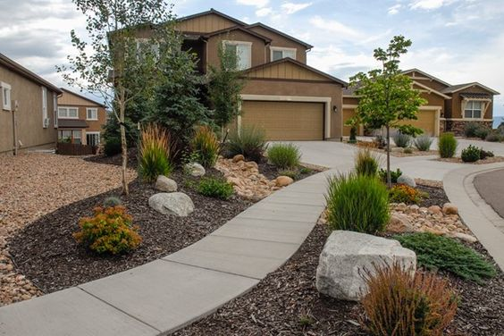 Mulch for drought tolerant landscape gardens