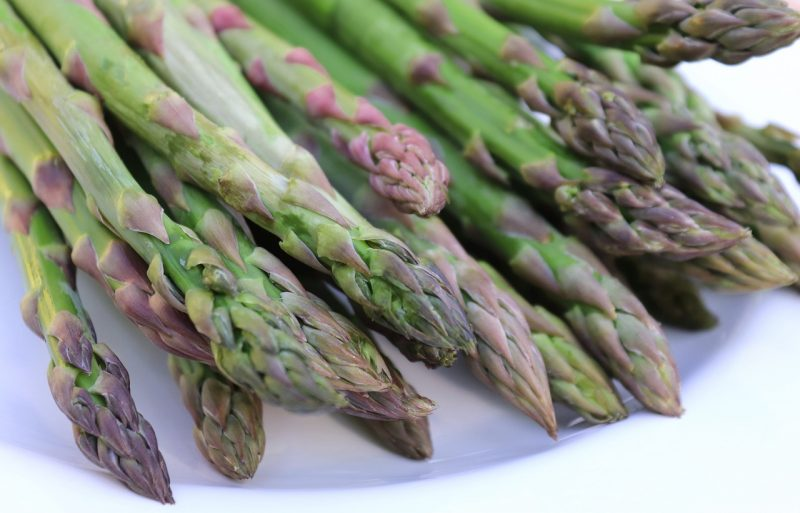 How to grow asparagus from crowns and spears