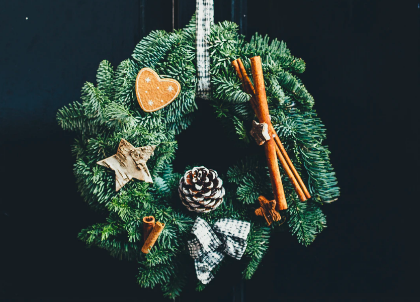 7 DIY Winter Holiday Wreaths Inspired by Your Own Garden
